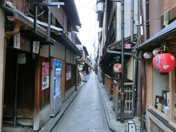 YoruhaMijikashi_002